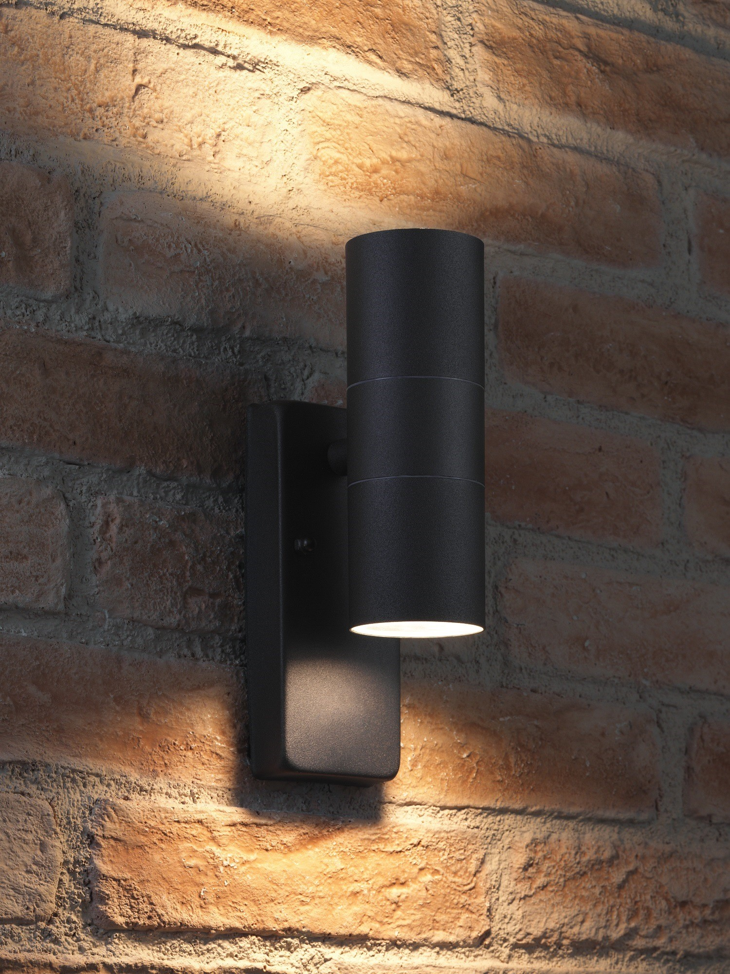 Auraglow Dusk Till Dawn Sensor Up & Down Outdoor Wall ...