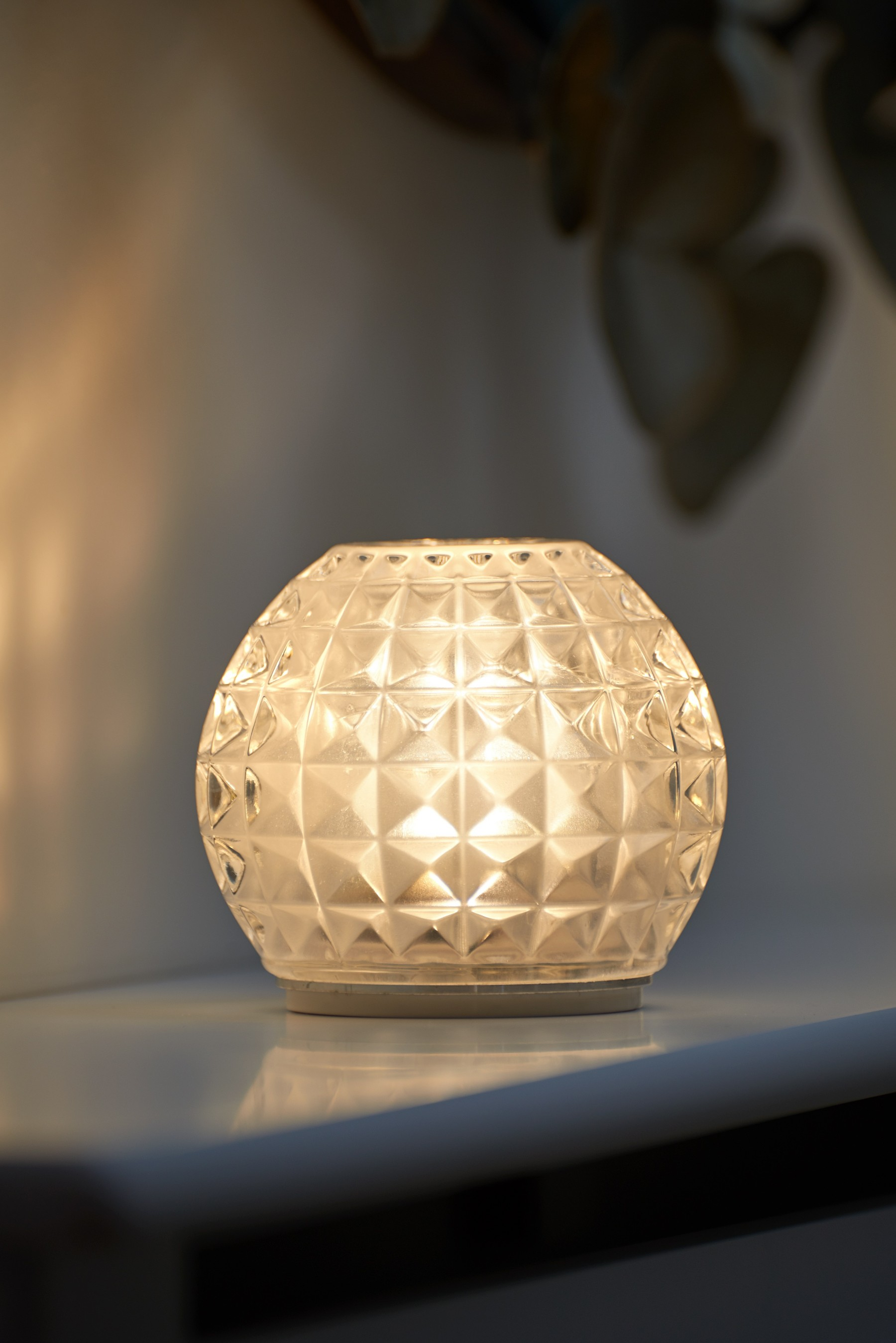 Picture of: Auraglow Rechargeable Cordless Colour Changing Led Table Lamp Vogue Safield Distribution