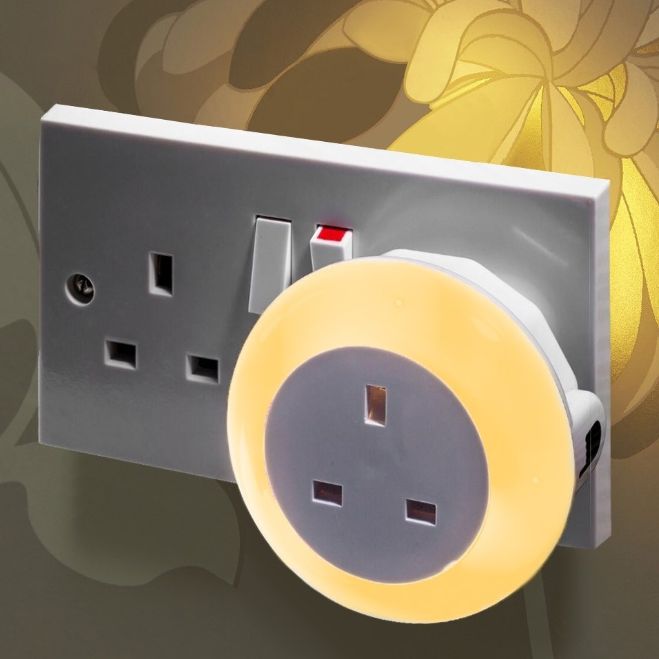 Plug Through Colour Changing Led Night Light Daylight