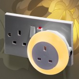 Plug Through Colour Changing LED Night Light - Daylight sensor.1